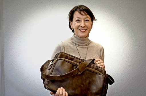 Die reicht für einen Wochenendtrip: Andrea Klöber mit ihrer Tasche Foto: LG/Kovalenko