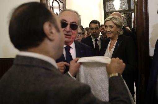 Marine Le Pen will kein Kopftuch anlegen
