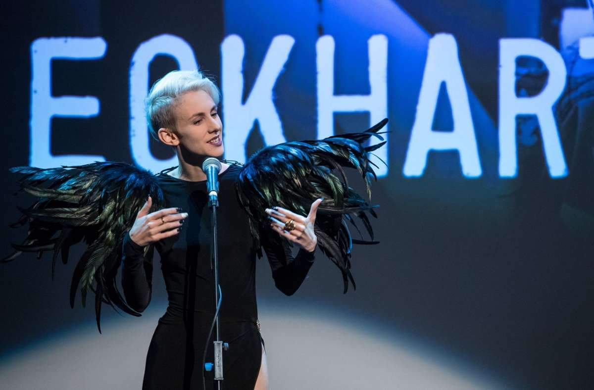 Die österreichische Kabarettistin Lisa Eckhart Foto: dpa/Daniel Karmann