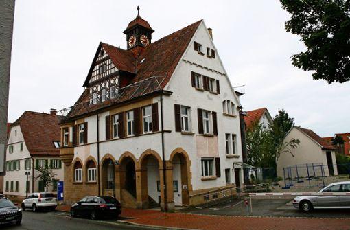 Sanierung des Bezirksrathauses verzögert sich