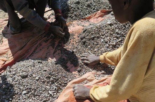 Kinder schuften im Kobalt-Bergbau im Kongo