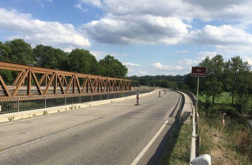 Marode Brücke wird gesprengt