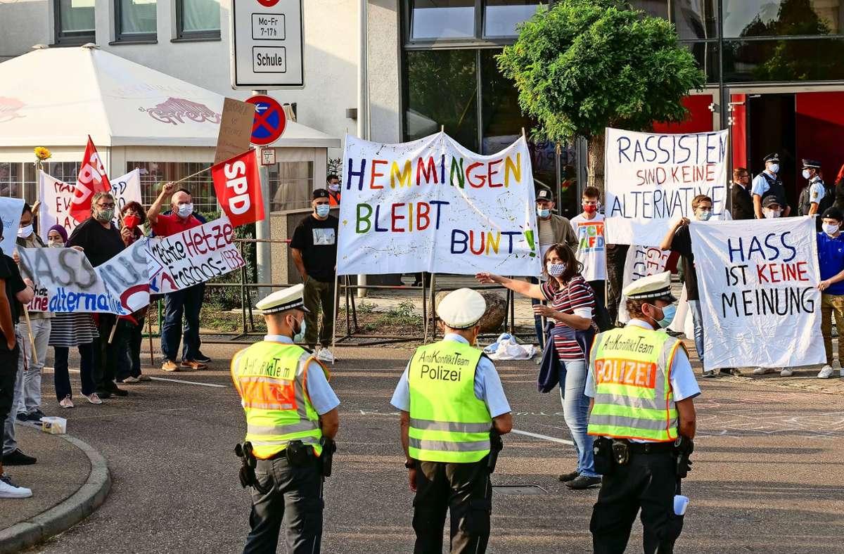 In Hemmingen demonstrierten Bürger gegen eine politische Veranstaltung der AfD. Mehr Bilder finden Sie in unserer Bildergalerie. Klicken Sie sich durch. Foto: factum/Simon Granville