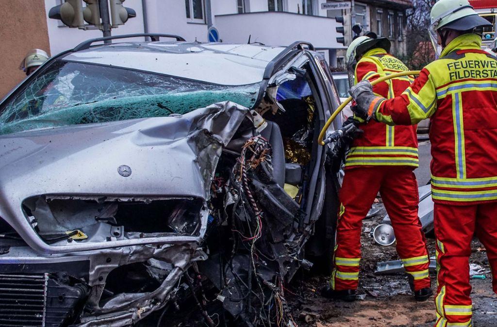Schwerer Unfall mit tödlichen Folgen in Filderstadt-Sielmingen. Foto: SDMG