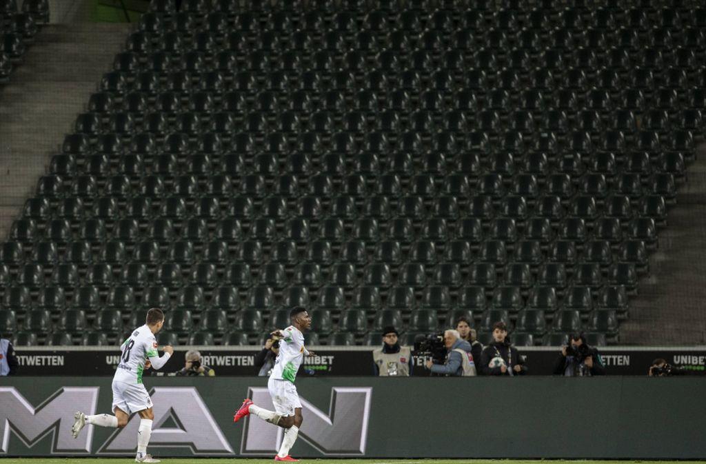 Das Spiel zwischen Borussia Mönchengladbach und dem 1. FC Köln war das bislang erste Geisterspiel in der Bundesliga. Foto: imago images/Mika Volkmann/Mika Volkmann via www.imago-images.de