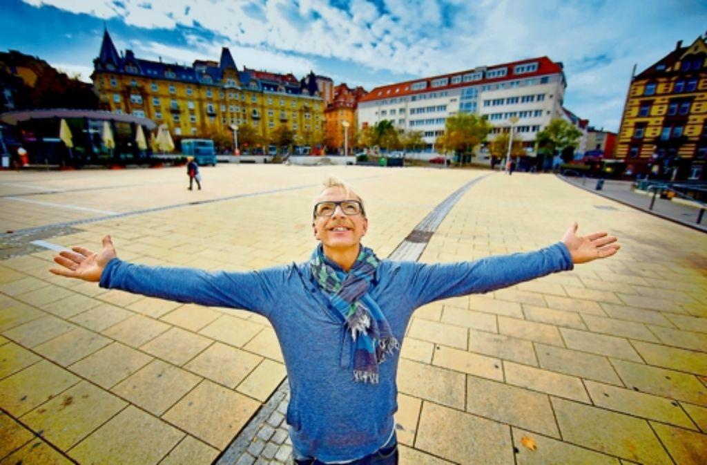 """Reiner Bocka liebt den Marienplatz im Stuttgarter Süden: """"Die Gegend ist sehr entspannt"""", sagt er. Foto: Heinz Heiss"""