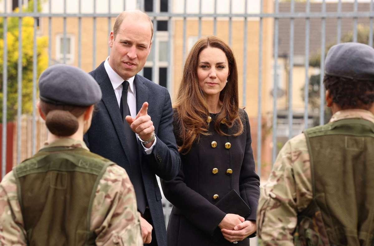 Herzogin Kate und Prinz William trugen Schwarz – schließlich befindet sich das Haus Windsor in Trauer. Foto: AFP/IAN VOGLER
