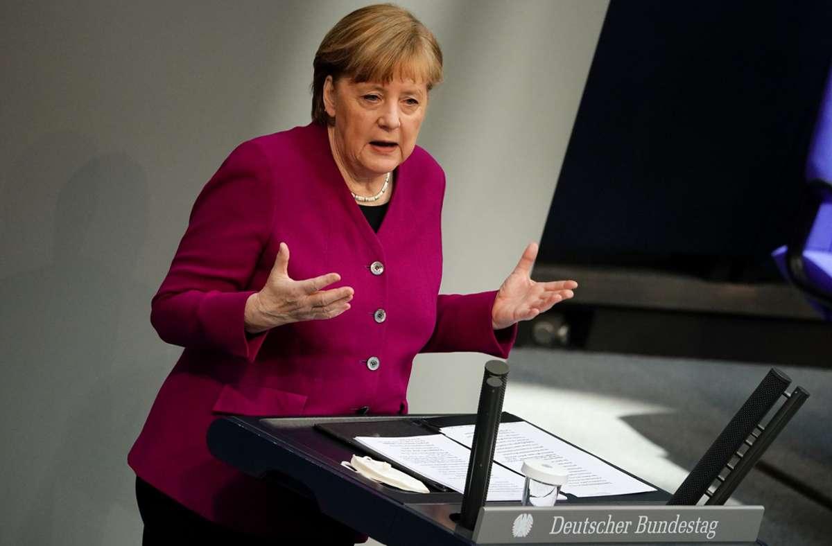 In ihrer Regierungserklärung vor dem Gipfel bekennt sich Angela Merkel zur gemeinsamen Impfstoffbeschaffung in der EU. Foto: dpa/Michael Kappeler