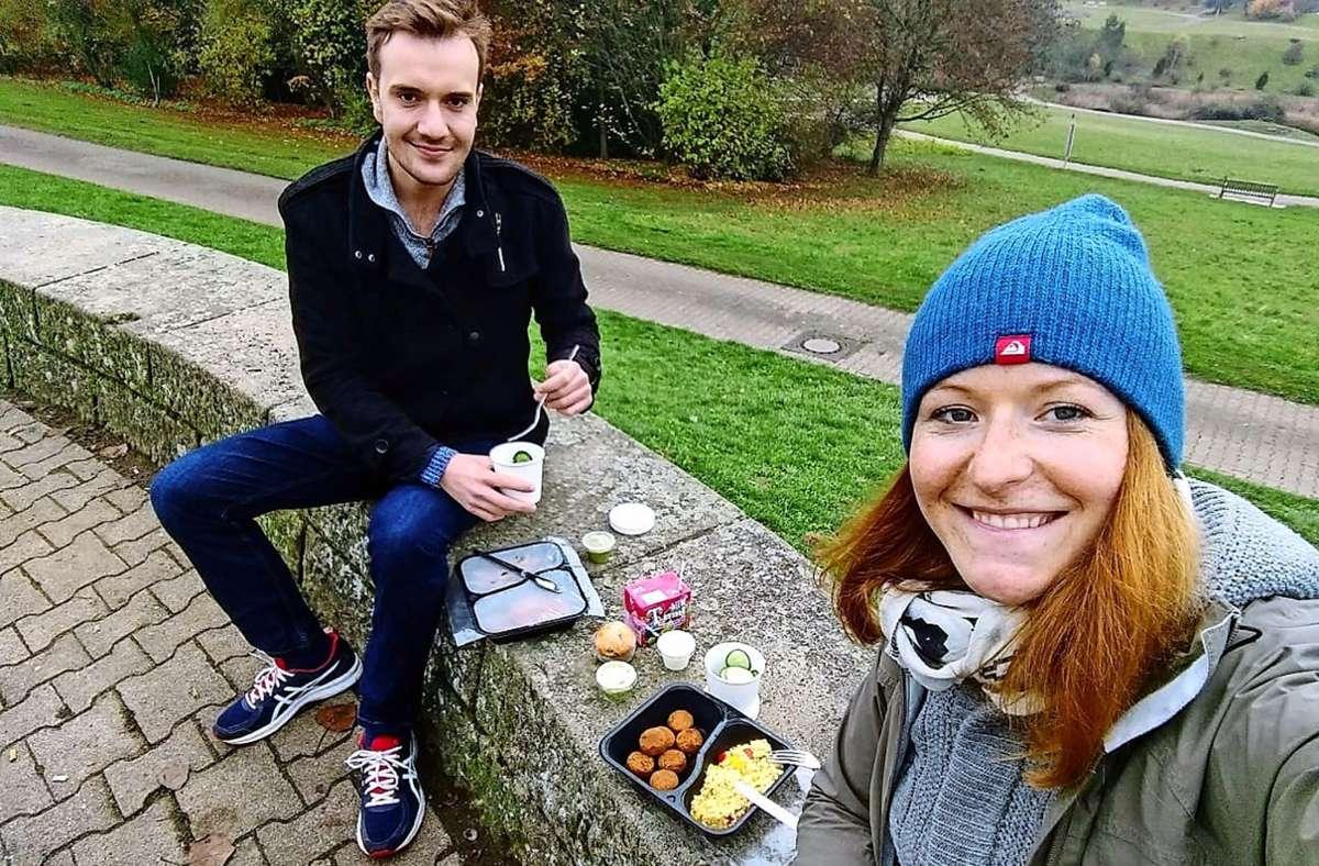 Katrin Beißert trifft sich einmal die Woche mit einem Kommilitonen für ein Mensamenü im Park. Foto: privat