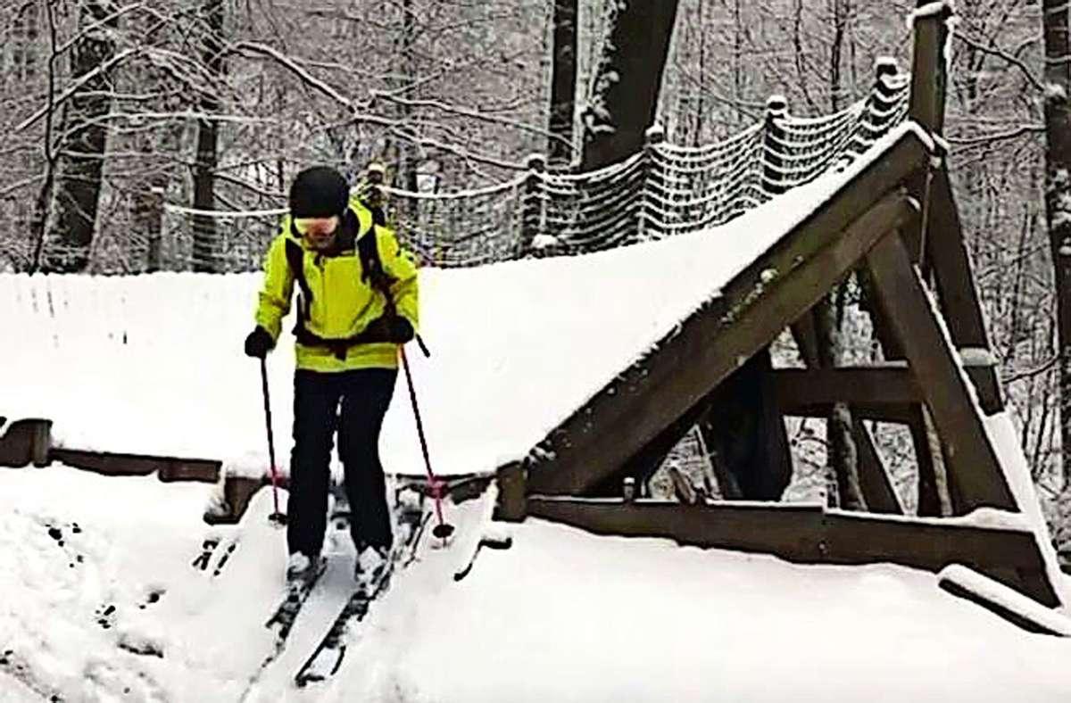 Und ab geht's auf der Downhill-Strecke. Aber nicht mit dem Rad. Foto: Screenshot