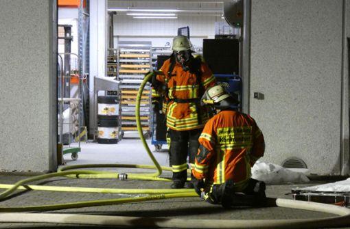 Etagenofen in Bäckerei fängt Feuer