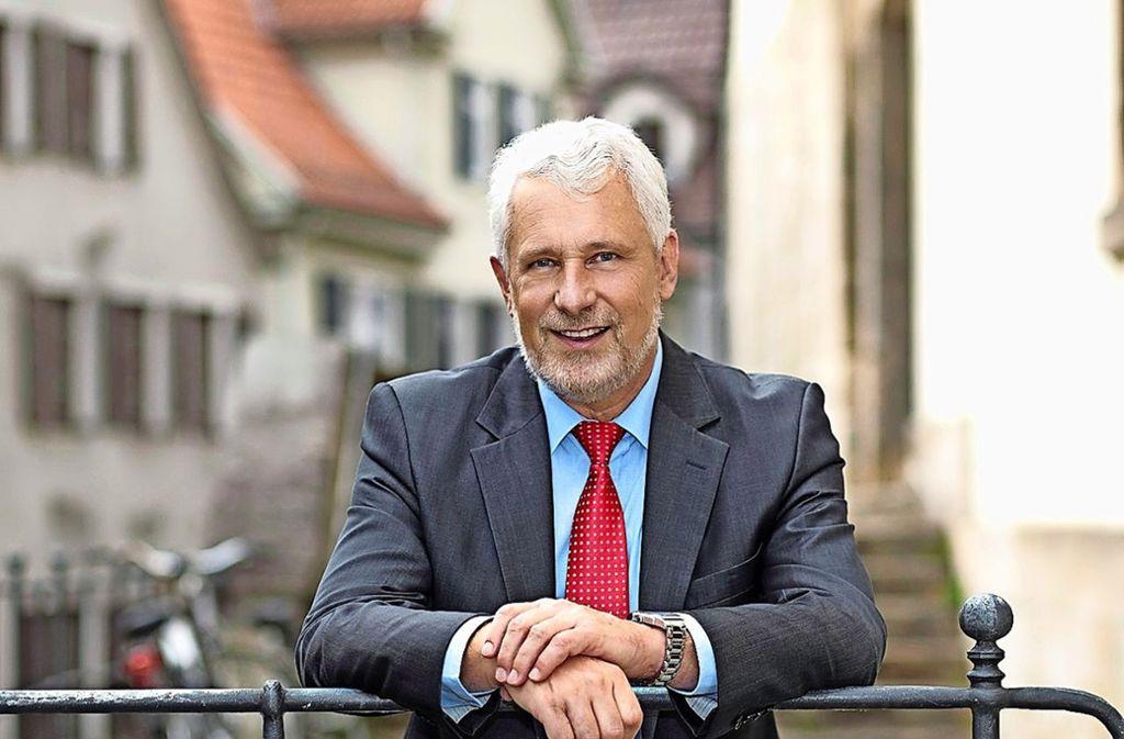 Der Nürtinger Oberbürgermeister Otmar Heirich blickt auf 42 Jahre als Kommunalpolitiker zurück. Foto: Stadt Nürtingen