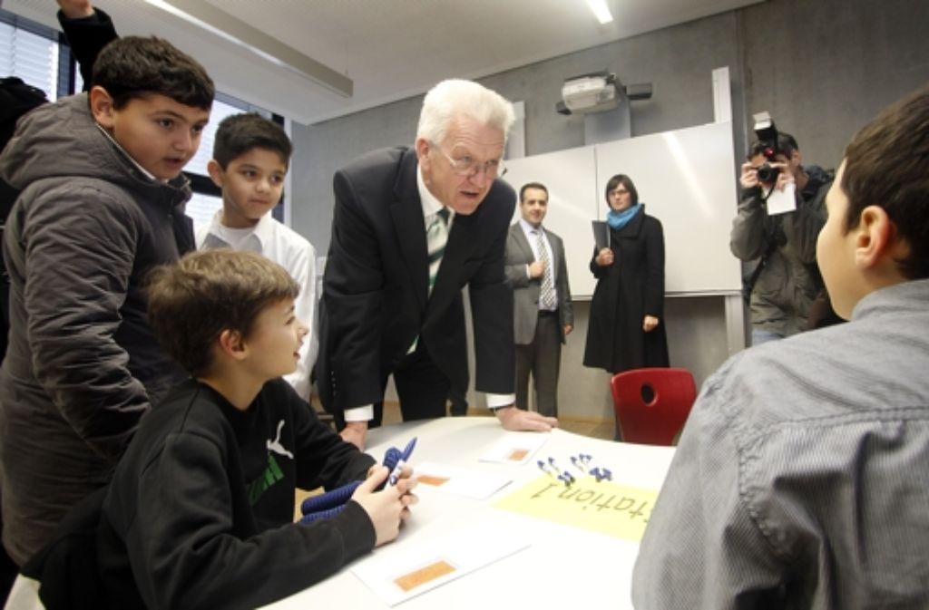 Ministerpräsident Kretschmann beim Besuch einer als Gülen-nah geltenden Schule. Foto: FACTUM-WEISE