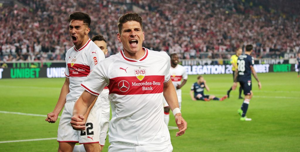 Vom Schwarz verabschiedete sich der VfB dann wieder in der Abstiegssaison. Den Brustring ziert zusätzlich in der Mitte das VfB-Wappen – statt wie üblich auf der linken Brustseite. Foto: Anna Lammers