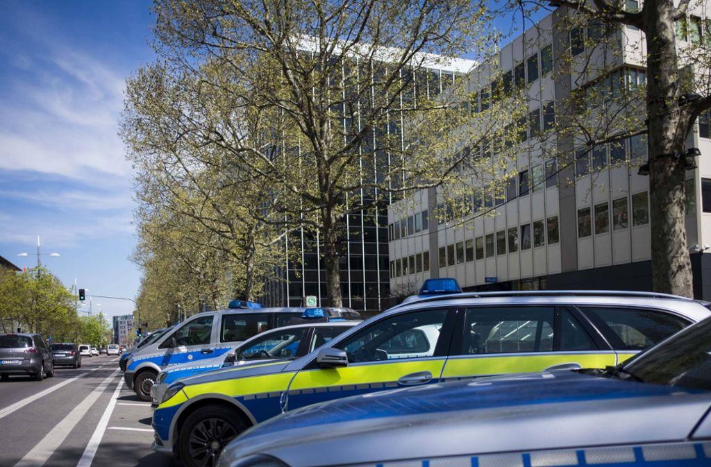 Eine Zeugin erhebt schwere Vorwürfe gegen die Einsatzkräfte der Polizei. (Symbolbild) Foto: imago/Objektif/imago stock&people