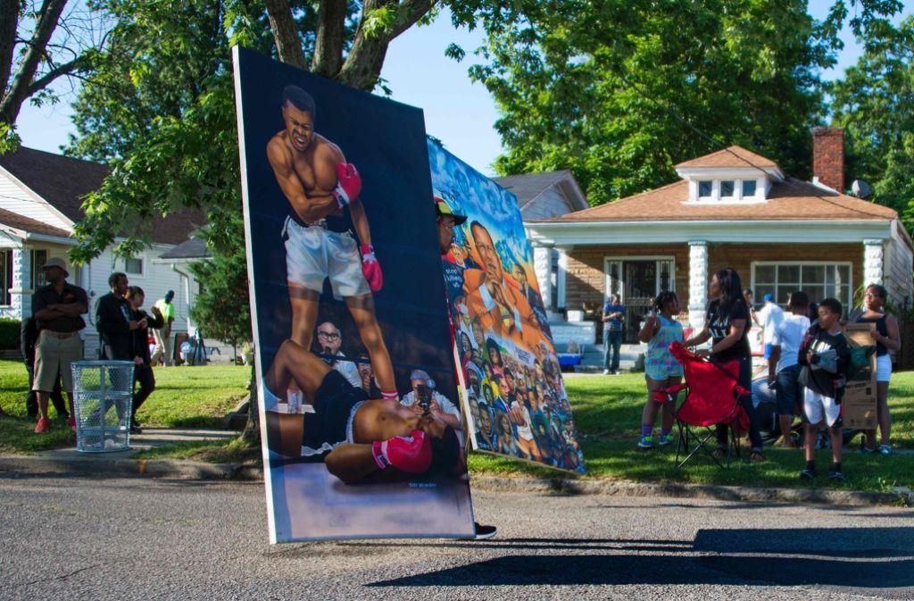 Hunderte Menschen in Louisville haben Abschied von ihrem Helden Muhammad Ali genommen. Foto: AFP