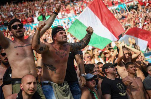 "UEFA ermittelt wegen ""potenziell diskriminierender Vorfälle"" in Budapest"