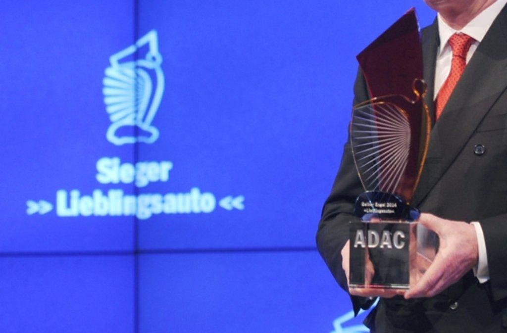 Daimler möchte die gewonnenen Gelben Engel nicht mehr - und gibt die ADAC-Preise zurück. Foto: dpa/Symbolbild