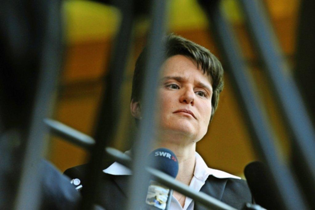 Tanja Gönner muss akzeptieren, dass das Land ihre E-Mails an den Untersuchungsausschuss zum Schwarzen Donnerstag weitergibt. Foto: dpa