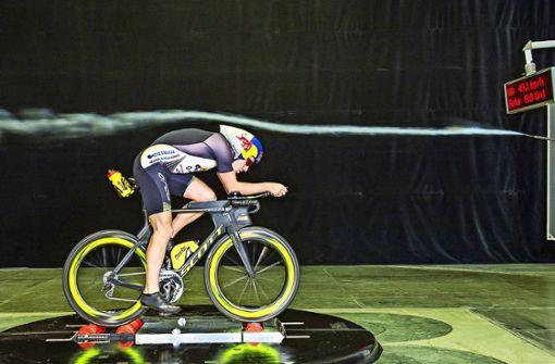 Triathlet Sebastian Kienle: Mit dem Rad im Windkanal