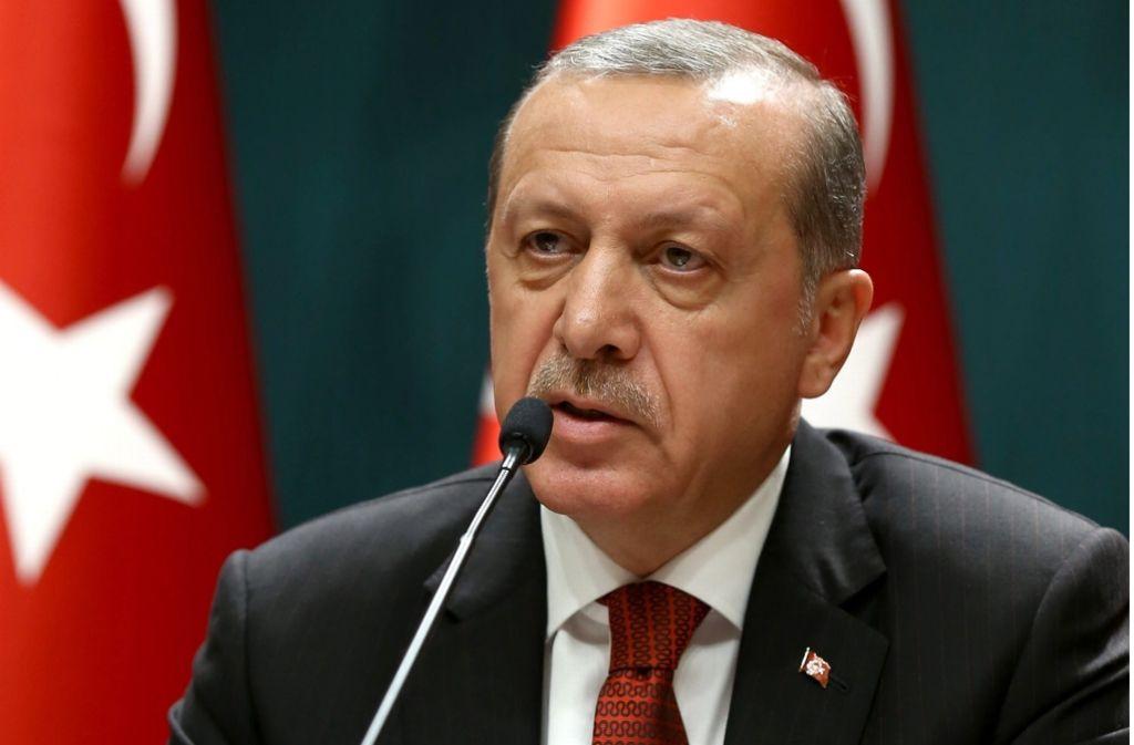 In der Türkei sitzt nach dem Putschversuch gegen den Präsidenten Erdogan (Archivfoto) auch eine Deutsche hinter Gittern. Foto: dpa