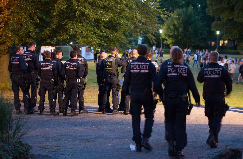 Nach den Zwischenfällen vom Wochenende zeigte die Polizei bei der Schorndorfer Woche erhöhte Präsenz. Foto: dpa