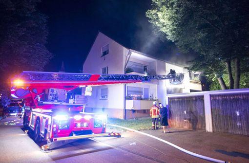 Mehrfamilienhaus evakuiert - Brandstiftung vermutet