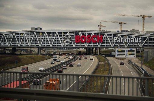 Unter dem Messeparkhaus ist vorsorglich Platz (links) für die Neubaustrecke gelassen worden. Doch eine Baugenehmigung hat die Bahn bis heute nicht. Foto: Lichtgut/Kovalenko