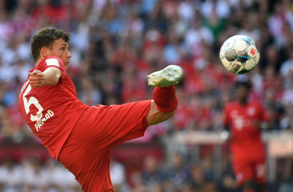 Diese Schusshaltung dürfte VfB-Fans bekannt vorkommen: Benjamin Pavard bei seinem Treffer zum 1:1 gegen Mainz. Foto: AFP