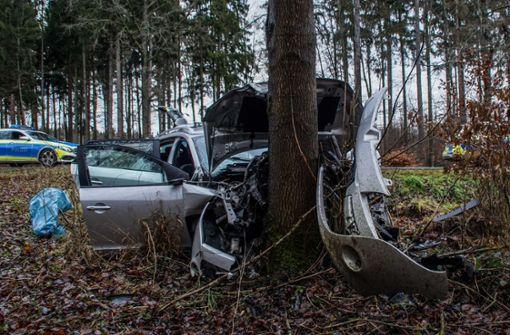 31-Jähriger prallt frontal gegen Baum