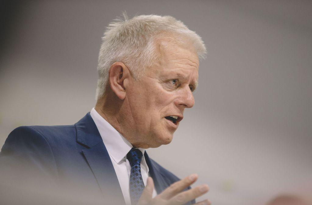 Stuttgarts Oberbürgermeister Fritz Kuhn hält die Kosten für den Interimsbau für zu hoch. Archivf Foto: Lichtgut/Leif Piechowski