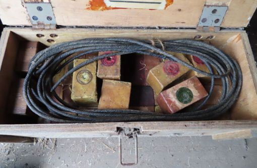 Mann findet 15 Kilo Sprengstoff in Bienenstock