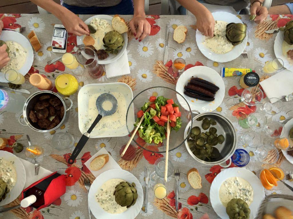 Diesmal gibts von Lisa Schölzel ein Rezept mit Artischocken - inklusive Urlaubsnostalgie. Foto: whatscookinglisa.com