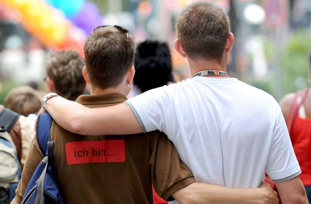 Homosexuelle im Fokus: Ein 29-Jähriger aus Bremen soll mindestens zehn Menschen monatelang terrorisiert haben, weil er etwas gegen Schwule hat. Foto: dpa