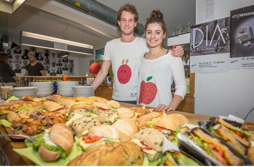 Haben der Verschwendung von Lebensmitteln den Kampf angesagt: Maximilian Kraft und Jana Pfeifer Foto: Lichtgut/Julian Rettig