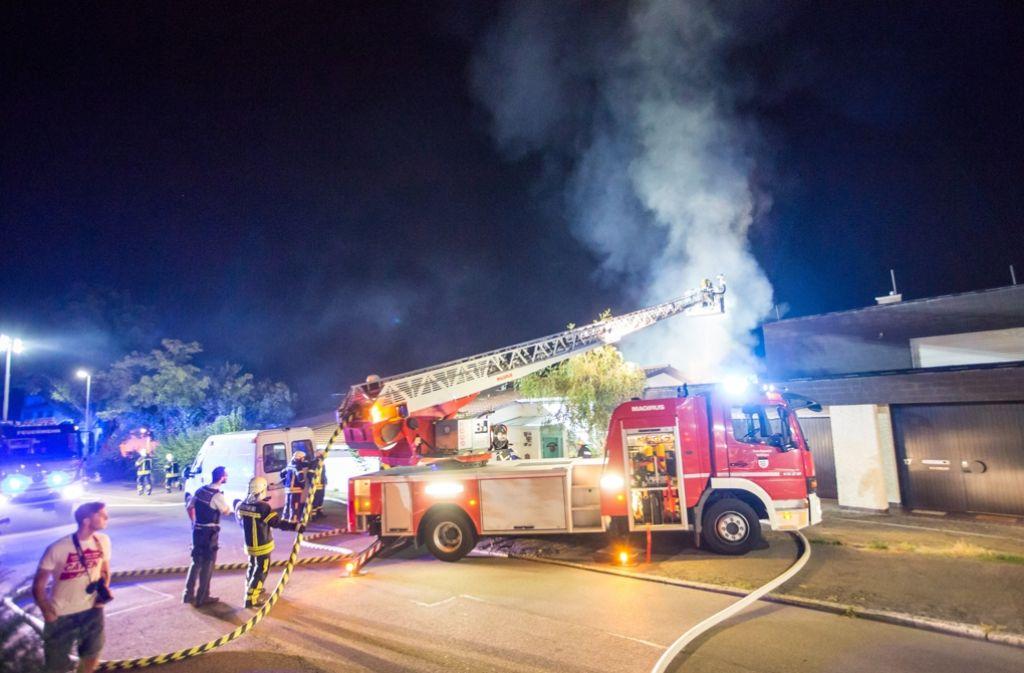 In Waiblingen geriet am Wochenende ein Dachstuhl in Brand. Foto: 7aktuell.de/Simon Adomat