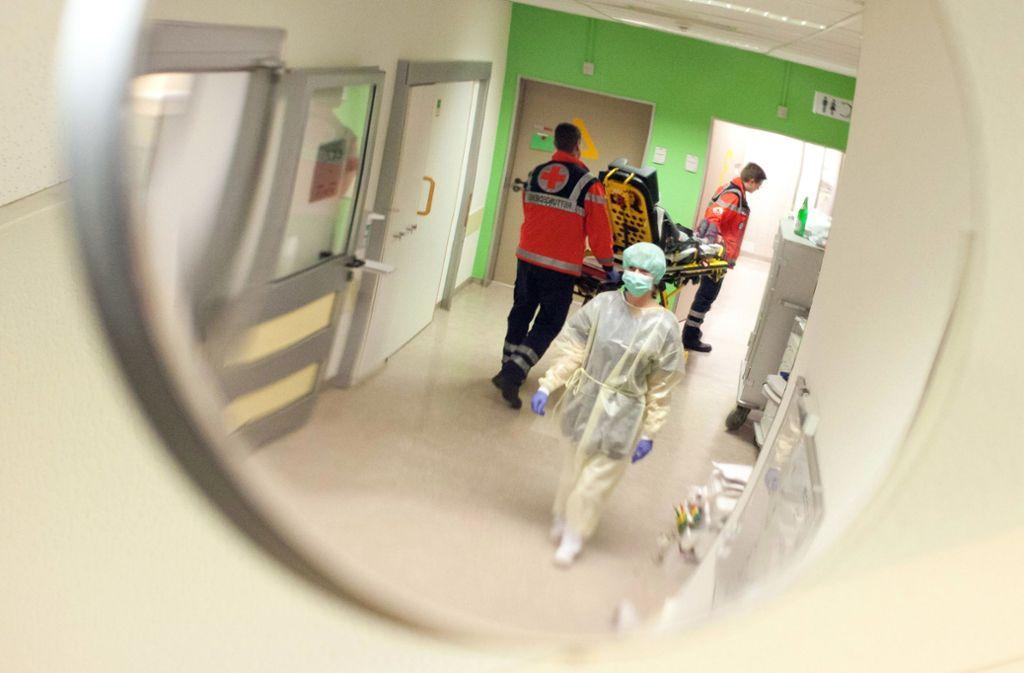 Eine neue Leitstelle soll  echte und gefühlte Notfälle unterscheiden. Foto: dpa