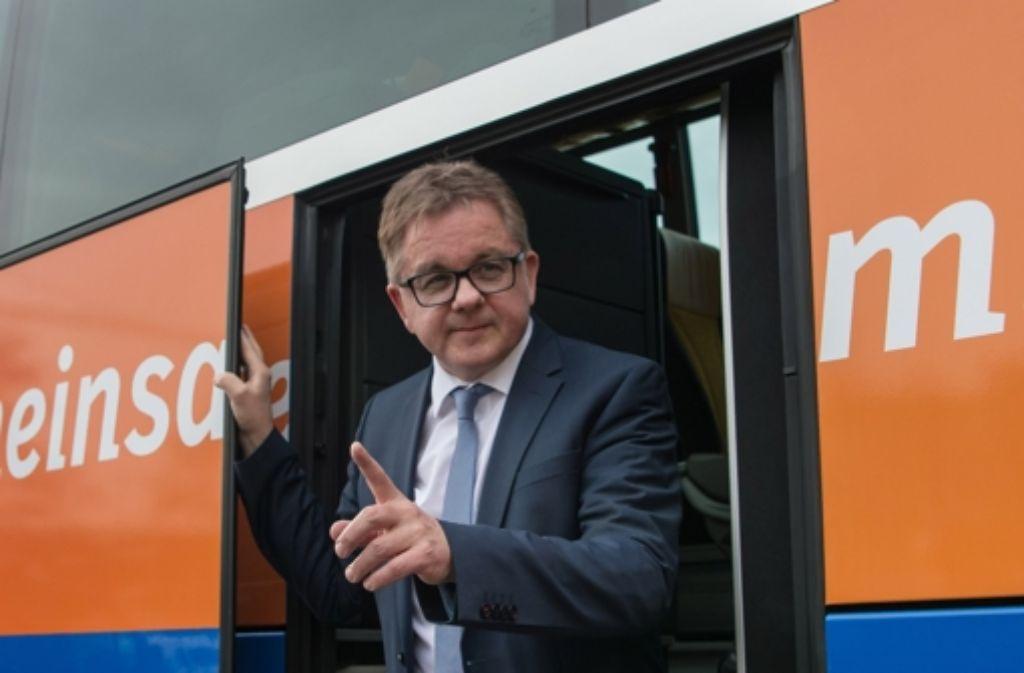 Der CDU-Vormann Guido Wolf auf Wahlkampftour – manchmal etwas zu flott. Foto: dpa