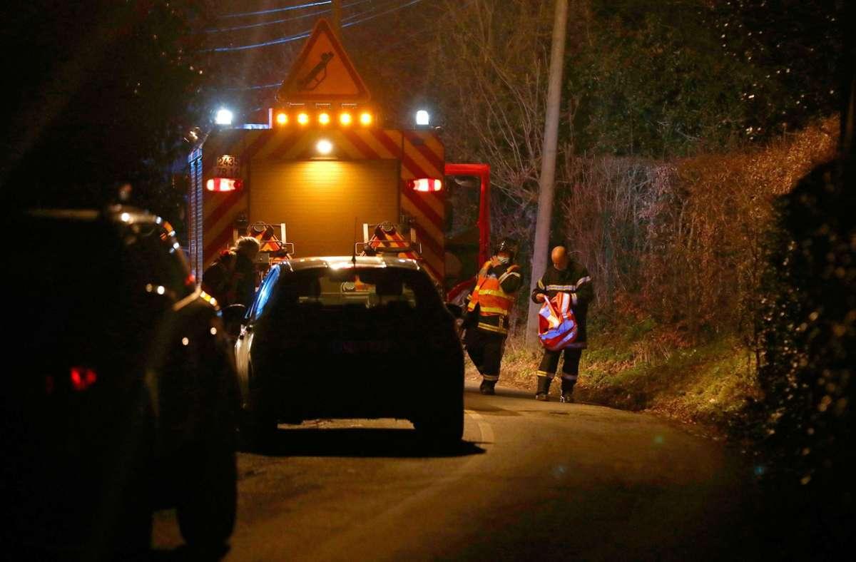 Rettungskräfte am Unfallort in der Normandie. Foto: dpa/Sameer Al-Doumy
