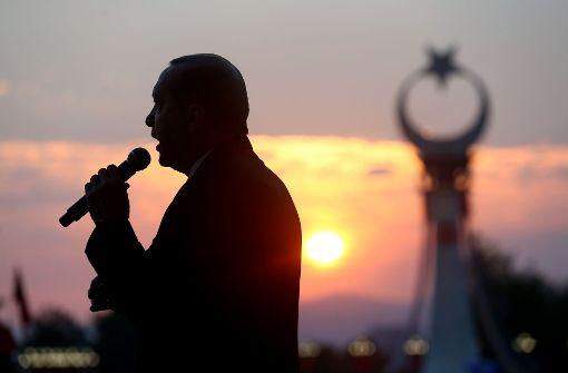 Erdogan zwingt Anrufern seine Glückwünsche auf