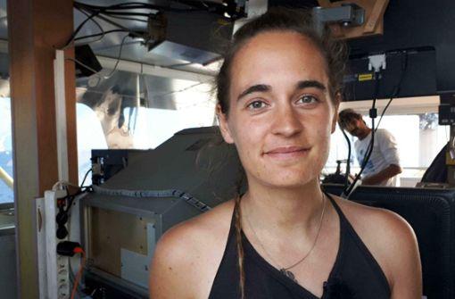Hier kündigt Kapitänin Carola Rackete ihre Aktion im Video an