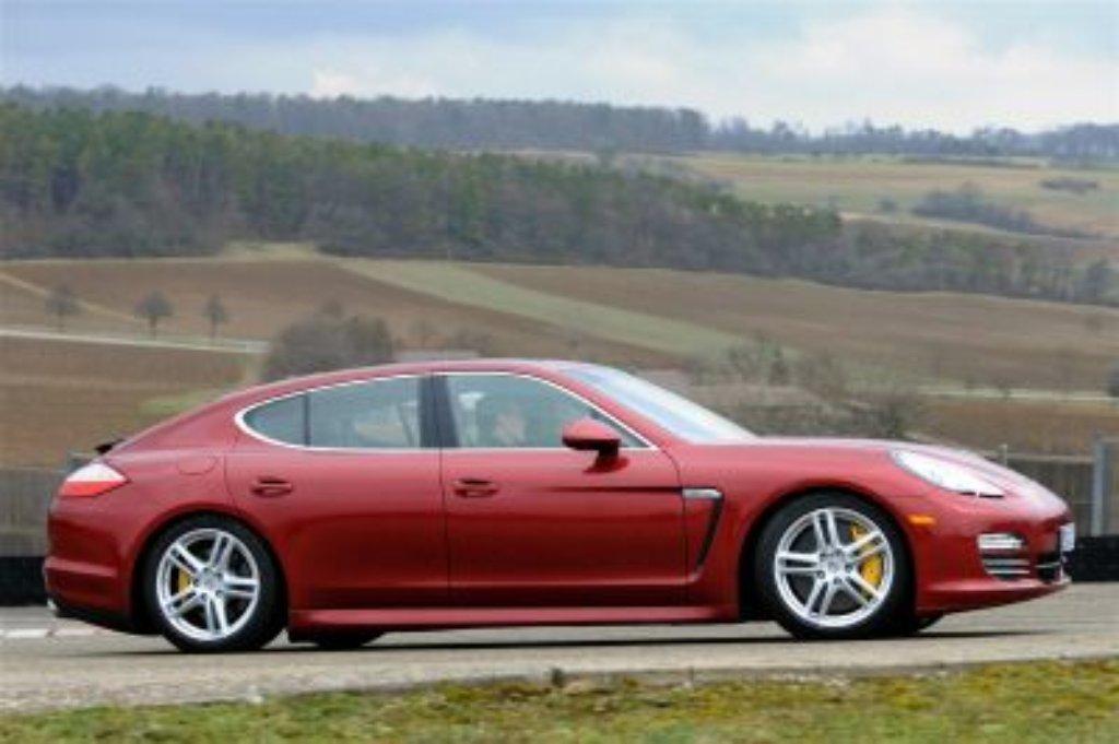 Hatten es Einbrecher in Ditzingen auf den Porsche Panamera abgesehen? (Symbolfoto) Foto: dpa