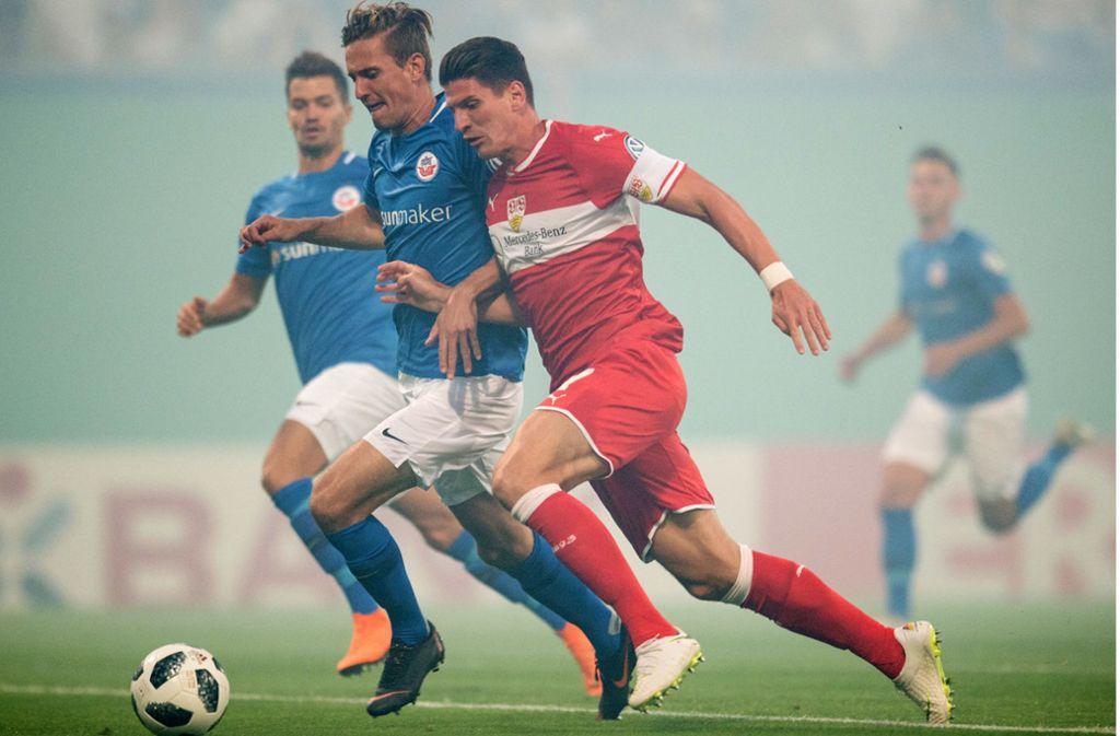 Nach überstandener Wadenverletzung steht Mario Gomez in Rostock wieder in der Startelf. Foto: