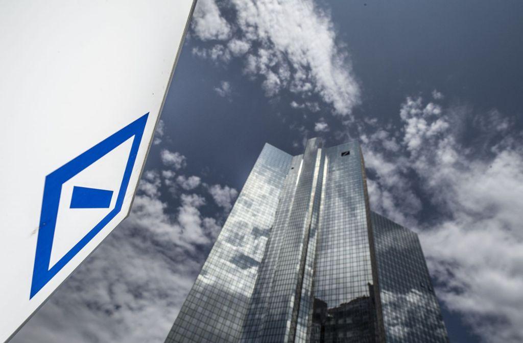 Der Konzernumbau kostet die Deutsche Bank mehrere Milliarden Euro. (Symbolbild) Foto: Boris Roessler/dpa