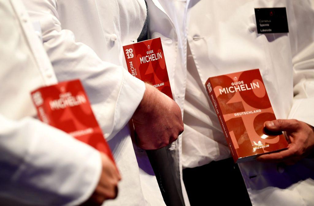 Alljährlich wird sein Erscheinen heftig erwartet und zugleich gefürchtet: der Guide Michelin. Foto: dpa