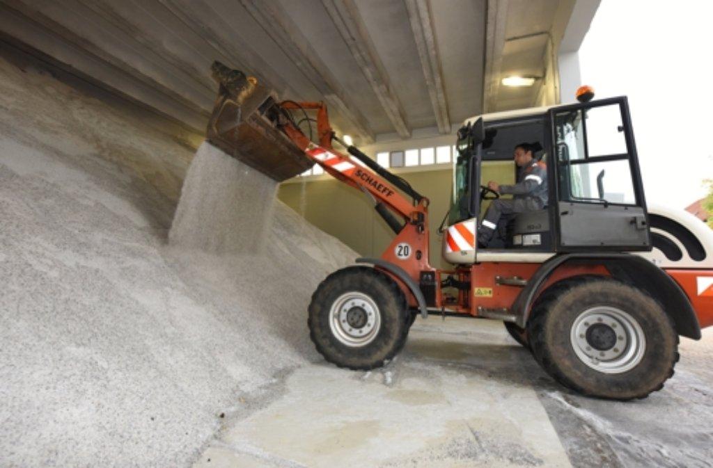 3600 Tonnen Salz hält Stuttgarter vorrätig. 1600 Tonnen davon sind in drei Lagern auf der Filderebene gebunkert. Foto: dpa