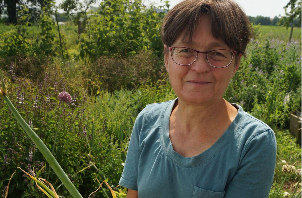 Mechthild Hubl in ihrem Garten in Möhringen Foto: