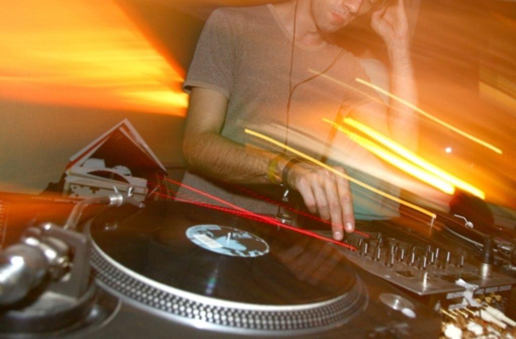 Teure Musik: DJ in einem Essener Club Foto: dpa