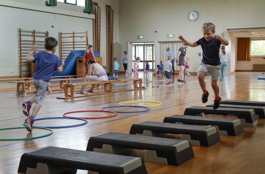 In der Albert-Buddenberg-Halle haben Kinder aus der Kita Sportnest ein Sportabzeichen gemacht. Foto: factum