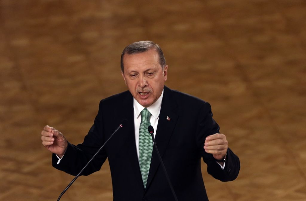 Der türkische Präsident Erdogan geht immer schärfer gegen seine Kritiker vor. Foto: AP